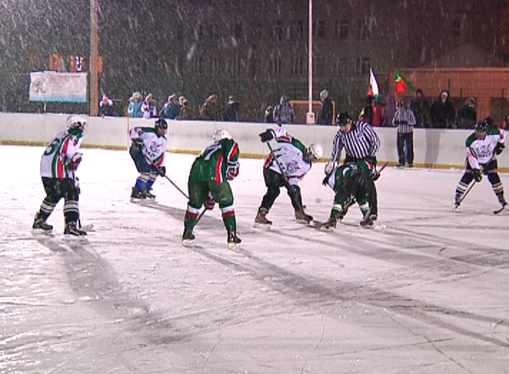 В Приволжском районе Казани состоялся товарищеский матч по хоккею
