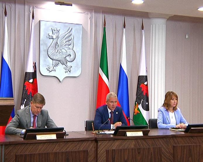 Казанцы могут выбрать символы для новых российских купюр