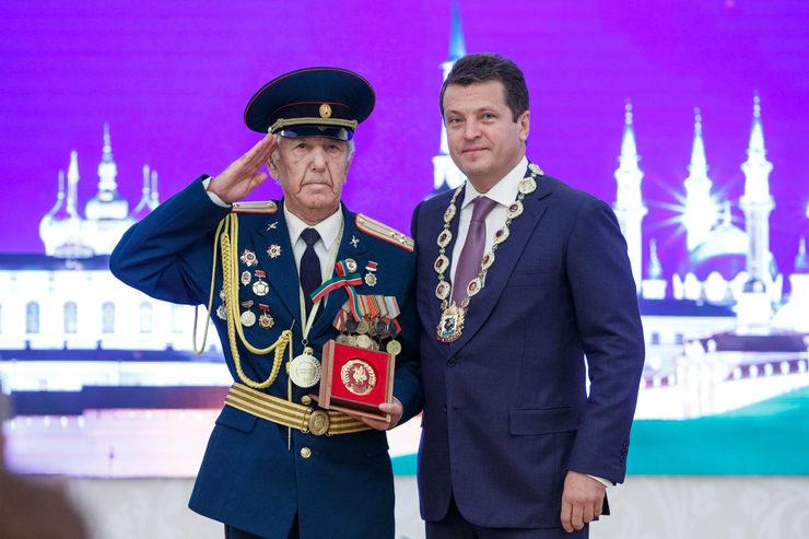 Вручение республиканских и городских наград в Казанской ратуше, 30.08.2016