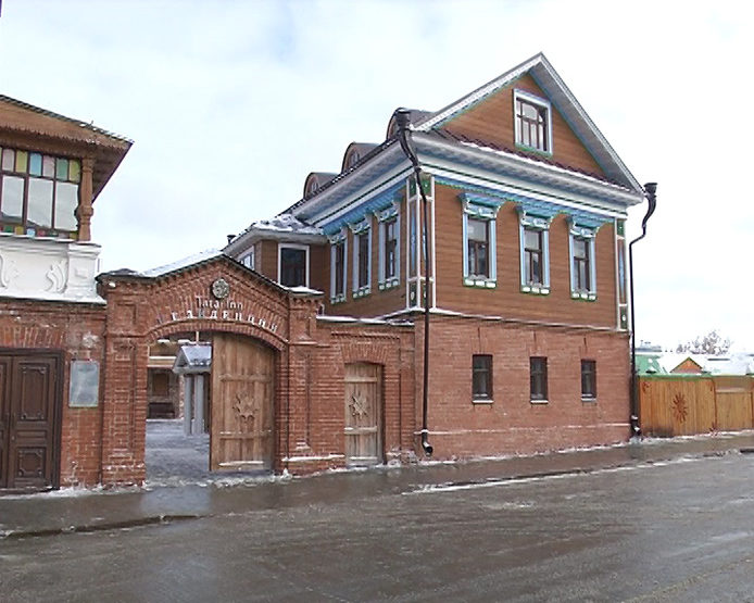Экскурсия французской делегации по Старо-Татарской слободе