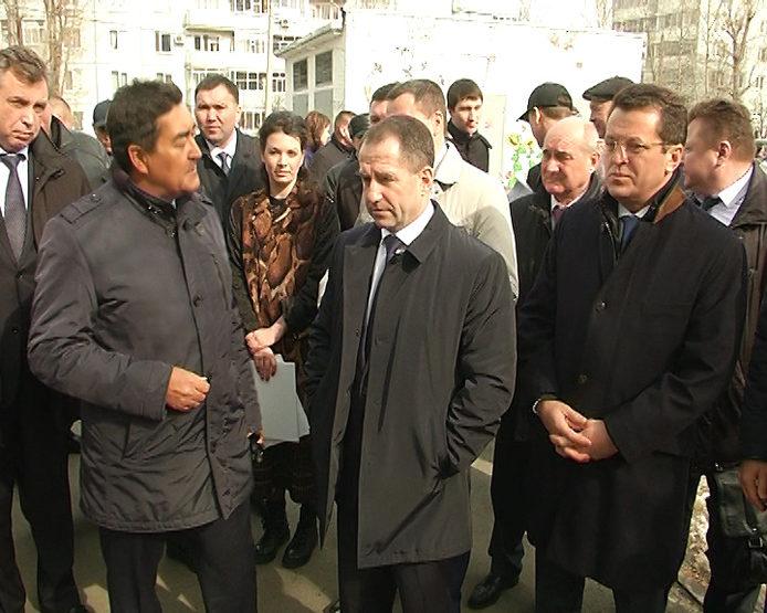 М.Бабич ознакомился с реализацией программы благоустройства дворовых территорий Казани
