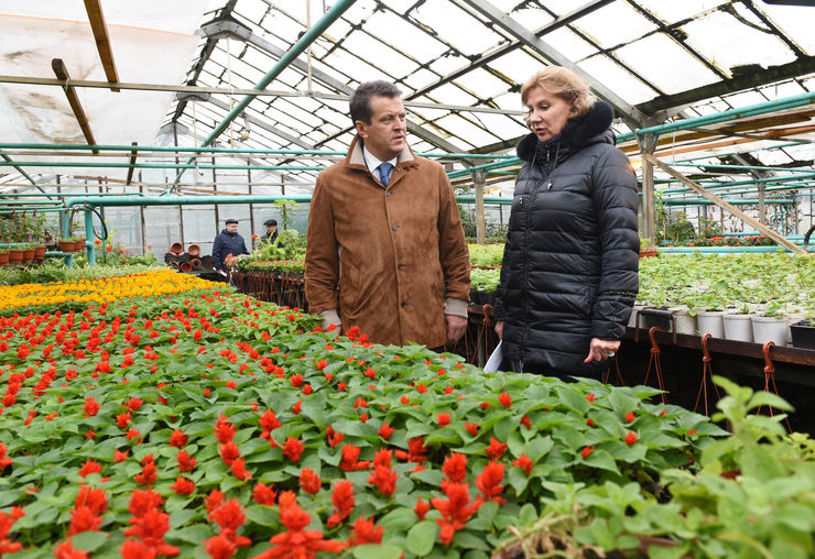 "Ilsur Metshin visited the greenhouses of the trust ""Gorvozelenkhoz"""