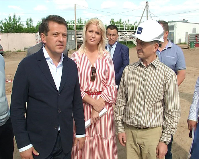 The Mayor of Kazan inspected the progress of construction of a swimming pool and a sports ground in the Sovetsky district