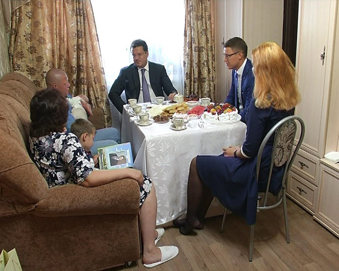 Ilsur Metshin visited a large family of Osokins