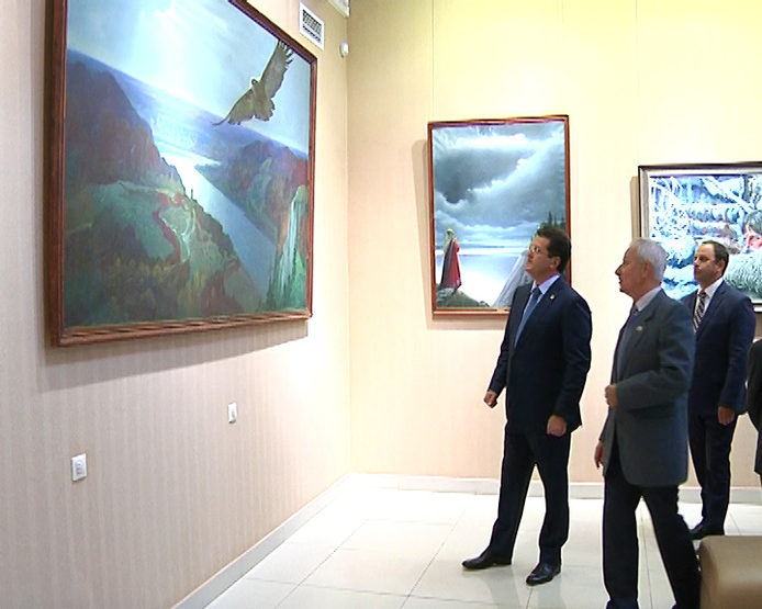 I.Metshin visited the renewed exposition in the museum of K. Vasiliev