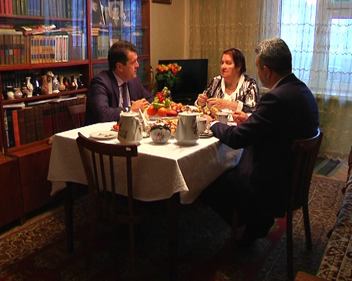 Ilsur Metshin met with Lidia Govorukhina, an Honored Teacher of the RT