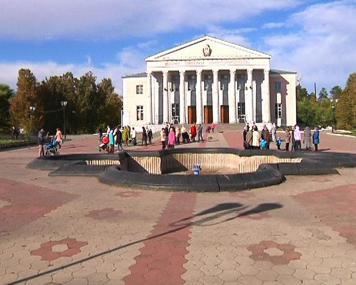 Ильсур Метшин посетил ДК железнодорожников в Юдино