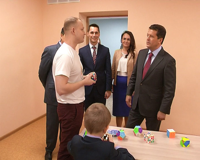 "Ilsur Metshin visited the renovated teenage club ""Arena"""