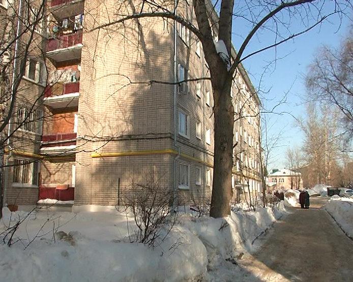 И.Метшин проинспектировал дом №21 по ул.Халезова после капремонта