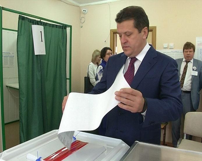 Ильсур Метшин проголосовал на выборах Президента РФ