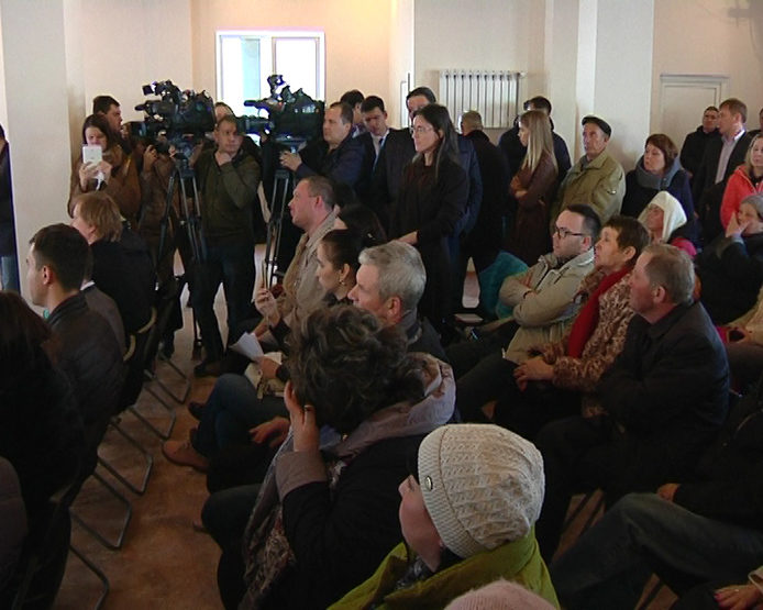 The meeting of I. Metshin with residents on the construction of a garbage incineration plant
