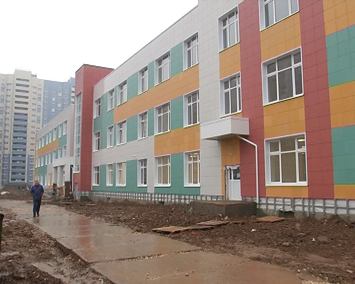 "I. Metshin inspected the construction of the school in the RC ""Salavat Cupere"""