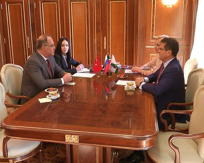 Ilsur Metshin met with the Consul General of Turkey in Kazan