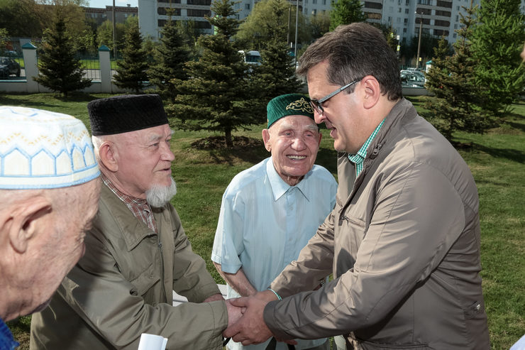 "Ilsur Metshin visited the Mosque ""Yardem"" in the Decade of Good"