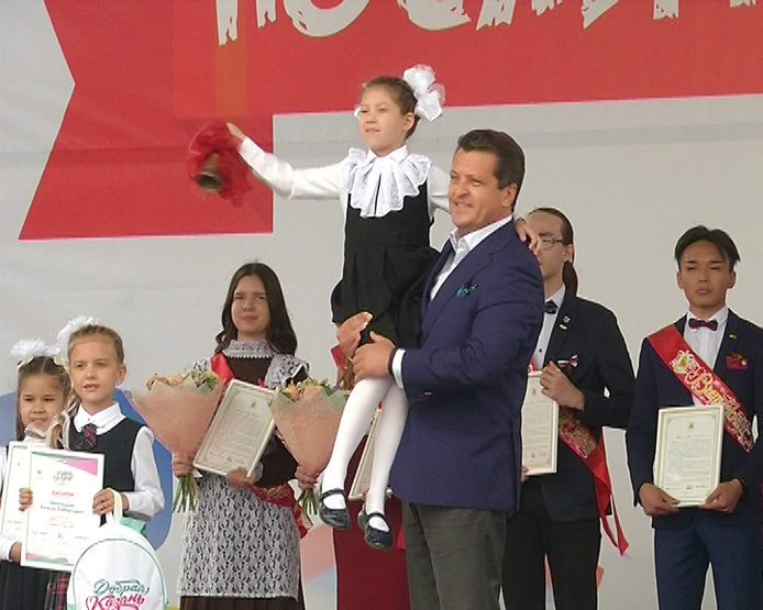 В Казани прозвучал Последний звонок-2018