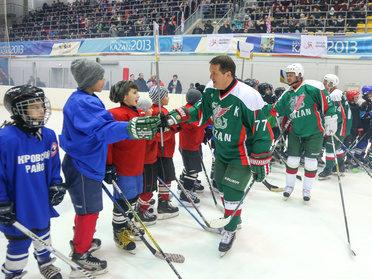 """Илсур Метшин """"Алтын алка"""" турнирында катнашучыларга: """"Исегездә тотыгыз, хоккейны чын ир-атлар уйный!"""""""