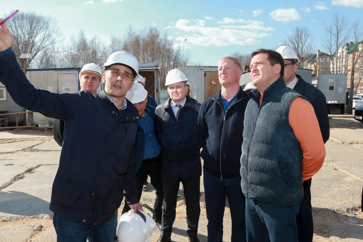 I. Metshin inspected the construction of the school on R. Gareev Street