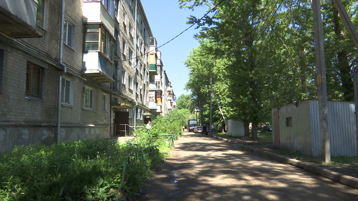 Ilsur Metshin assessed the course of the overhaul of houses on Tinchurin Street