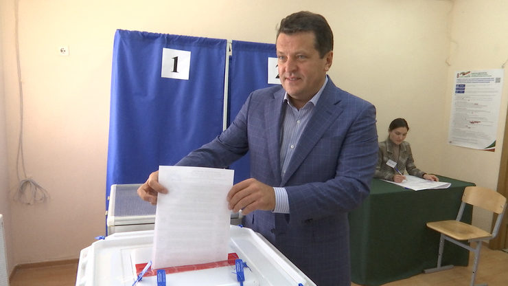 The mayor of Kazan voted at the Tatarstan State Council elections