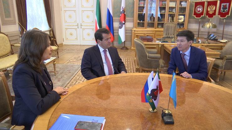 И.Метшин встретился с генконсулом Казахстана в Казани