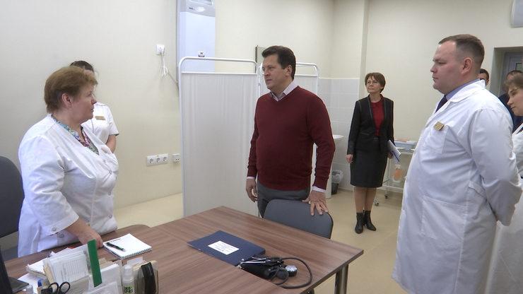 Мэр Казани осмотрел капитально отремонтированную поликлинику в Кировском районе