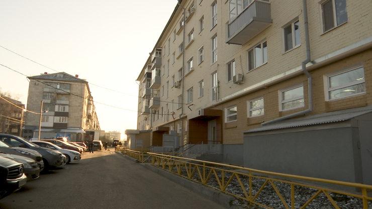 Мэр Казани осмотрел отремонтированные дома по улицам Декабристов и Чкалова