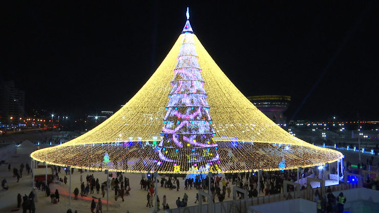 The main New Year Tree opened in Kazan, 26.12.2019