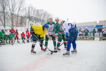 Ilsur Metshin played for the Greens at the opening match of the Golden puck city stage