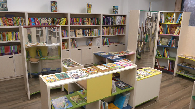 Мэр Казани осмотрел библиотеку по ул.Клары Цеткин после реконструкции