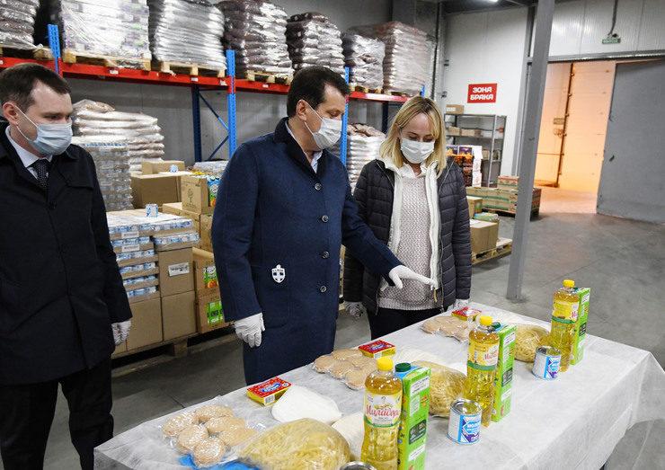 В Казани по решению Мэра 24,5 тыс. школьников из льготной категории бесплатно получат продуктовые наборы