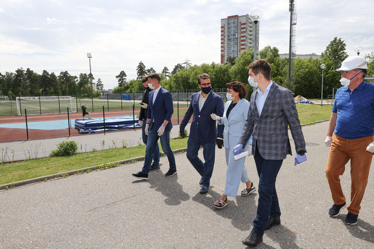 Ильсур Метшин проинспектировал ход ремонтных работ в спортшколе «Тасма»