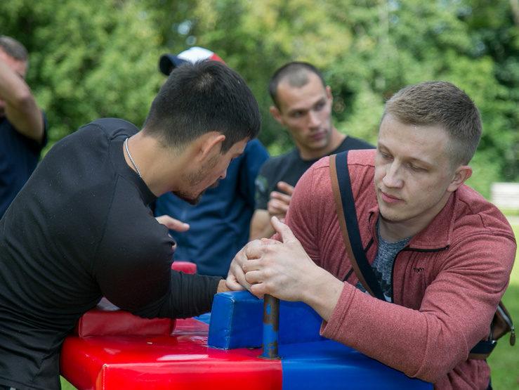День физкультурника в Казани: турнир по футболу, йога, стретчинг и брейк-данс