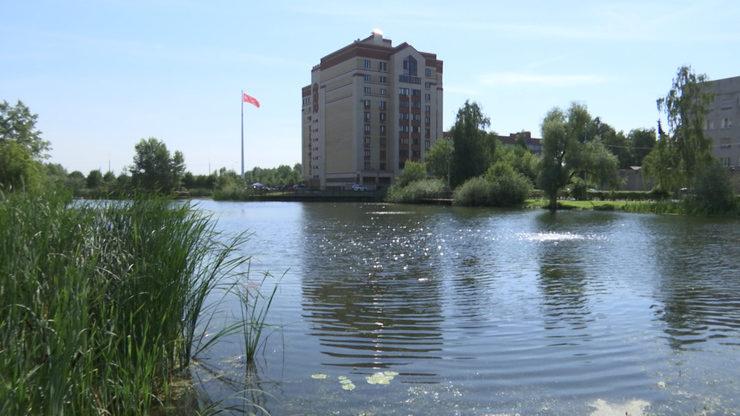 В Ново-Савиновском районе Казани завершилось благоустройство озера Марьино