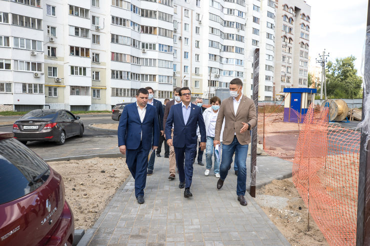 The Mayor of Kazan got acquainted with the progress of yard renovation on Saban and Bakaleynaya streets