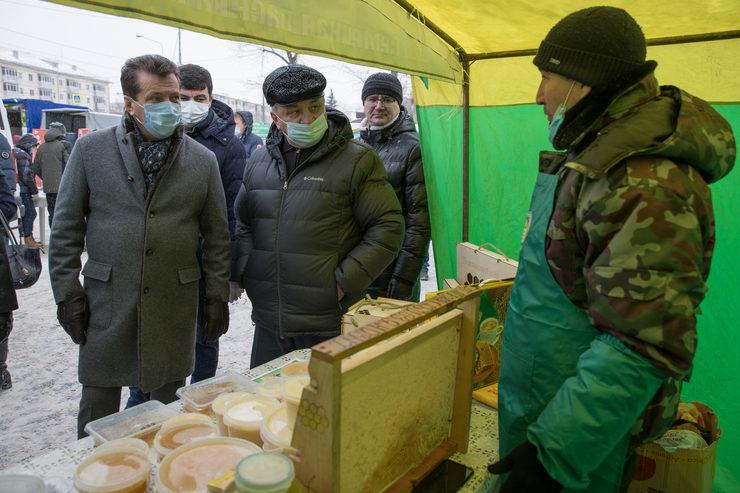 Илсур Метшин авыл хуҗалыгы ярминкәләрен оештыруны тикшерде