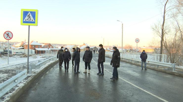 Ilsur Metshin inspected the new ferroconcrete bridge over the Noksa River