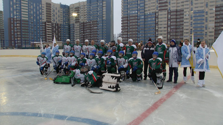 Ilsur Metshin played in a friendly match with students of lyceum №182