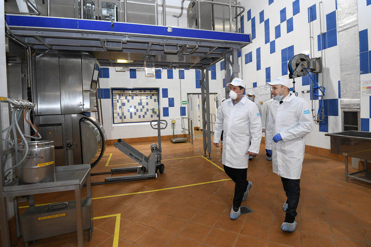 I. Metshin got acquainted with the modernization of the Kazan Dairy Plant