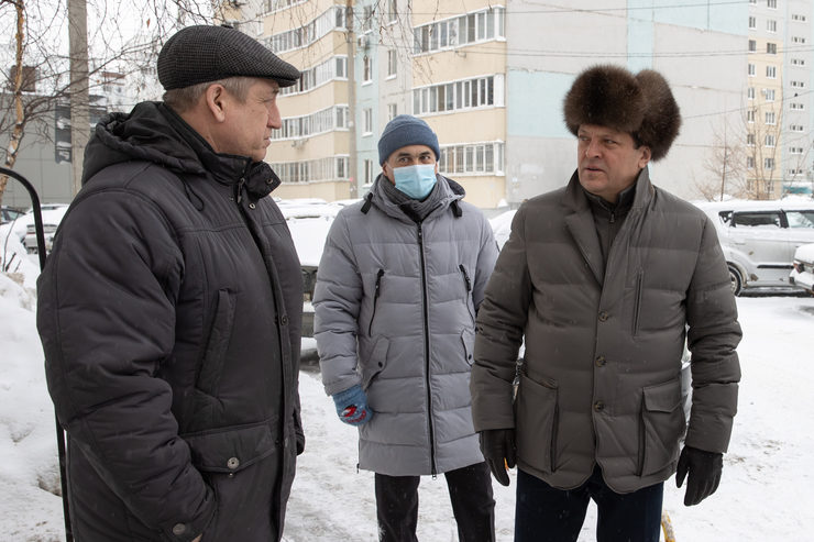 Ilsur Metshin inspected snow removal in the yards of the Novo-Savinovsky district