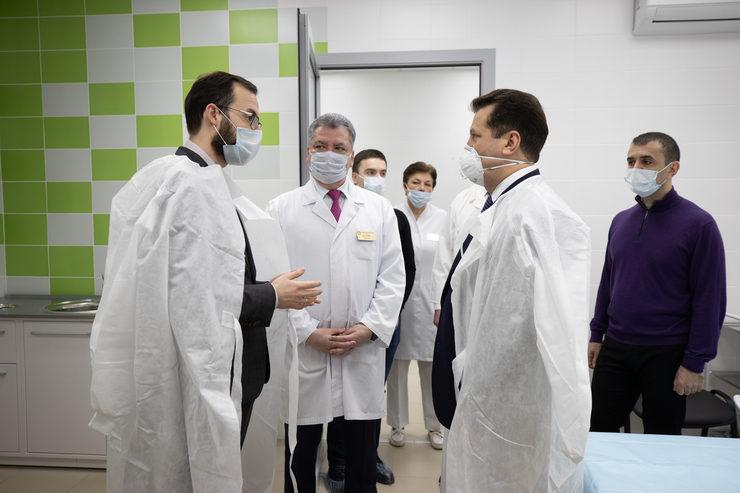 И.Метшин Мәүлүтев урамындагы яңа амбулатория травматологиясе үзәген карады