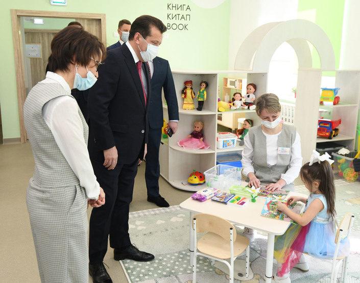 Ильсур Метшин осмотрел перед открытием новый полилингвальный детсад «Я сам»