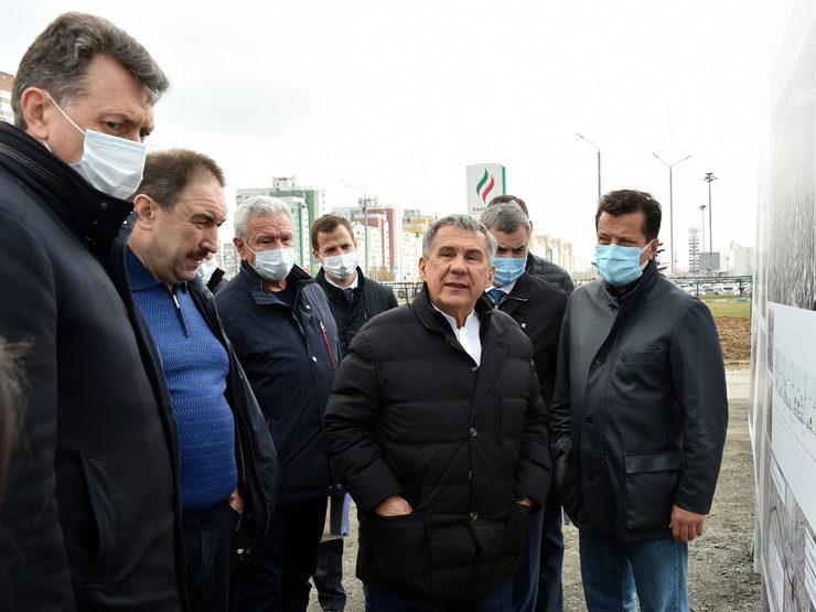 Президент РТ посетил ЖК «МЧС» и осмотрел участок строительства Вознесенского тракта