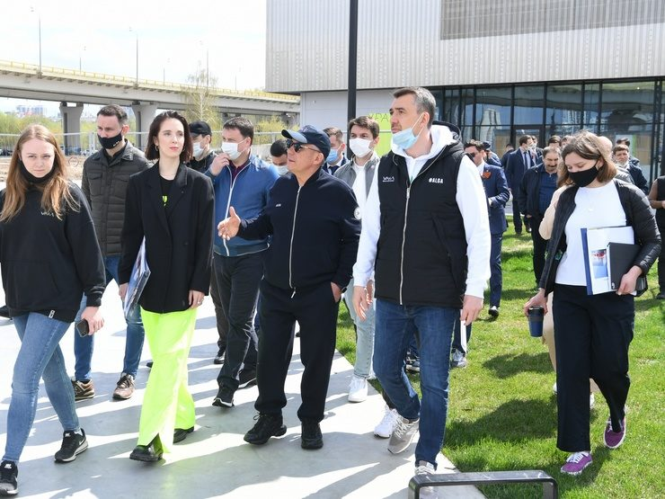 R.Minnikhanov and I.Metshin visited a number of facilities under construction in Kazan