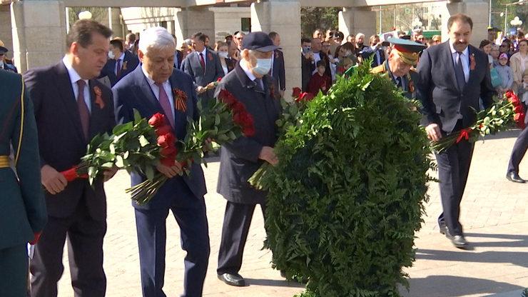 В казанском парке Победы почтили память погибших воинов