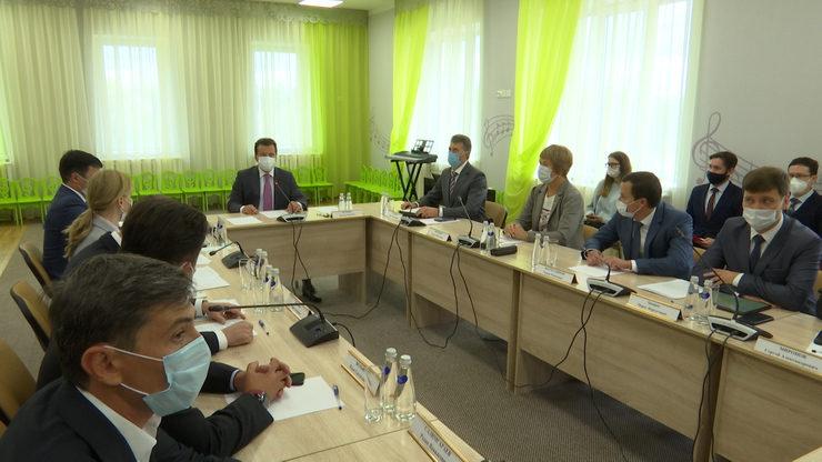 Ильсур Метшин провел совещание по реализации в Казани национальных проектов