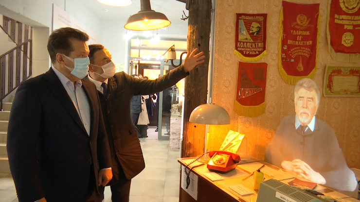 I.Metshin visits the Museum of Housing and Utilities Services at the Yutny Dom property management company
