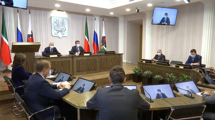 Мэр Казани напомнил горожанам о необходимости соблюдения масочного режима